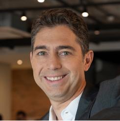 Surya Mendonça - CEO